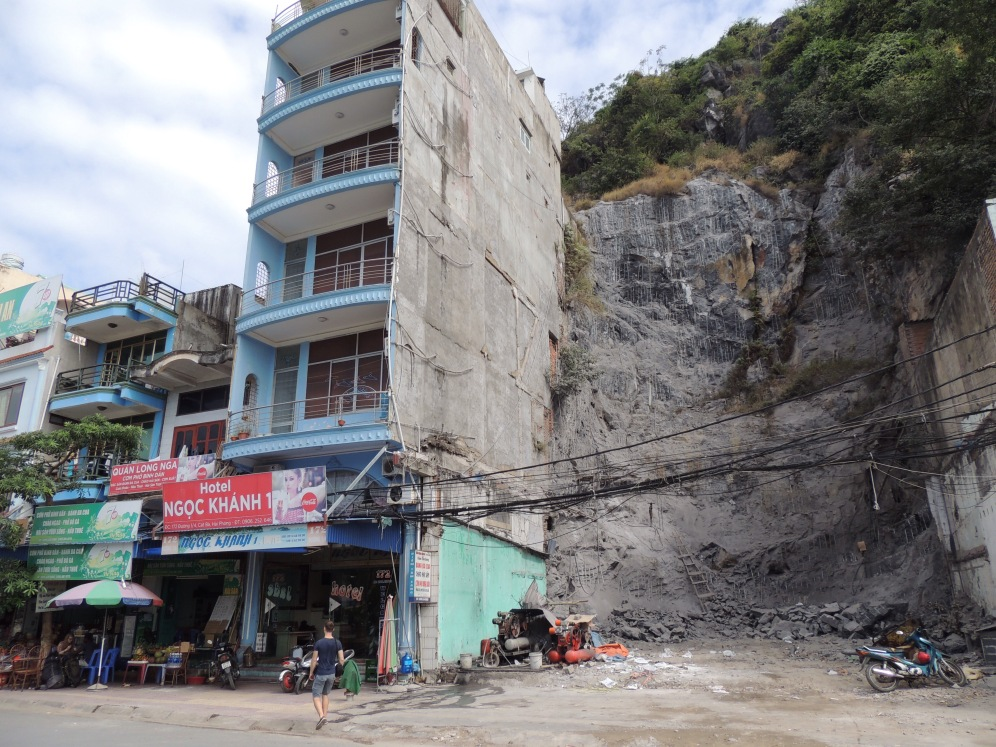 developed tourism RIGHT next to extreme construction